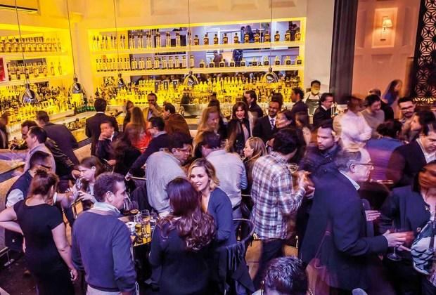 5 de los mejores hot spots en la CDMX para disfrutar drinks con gin - scotch-1024x694