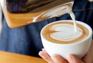 5 maneras de hacer tu café más sano