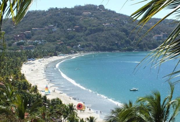 7 razones para que tu próxima vacación sea en Ixtapa Zihuatanejo - ixtapa-zihuatanejo-playa-1024x694