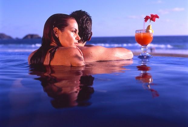 7 razones para que tu próxima vacación sea en Ixtapa Zihuatanejo - ixtapa-zihuatanejo-romance-1024x694