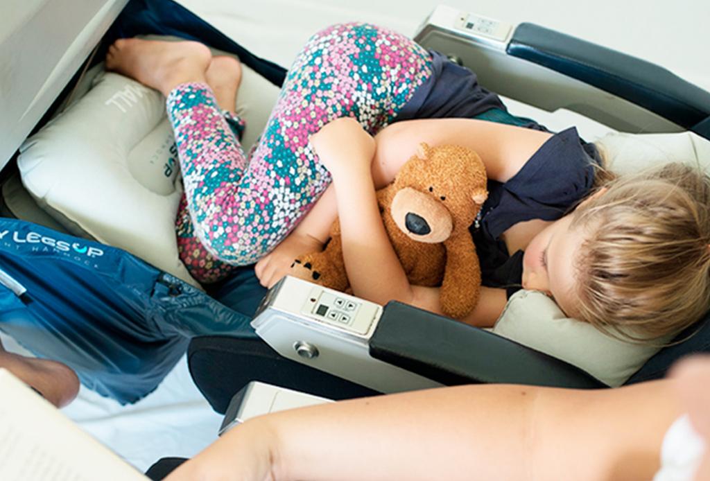 La hamaca perfecta para tus hijos en un avión
