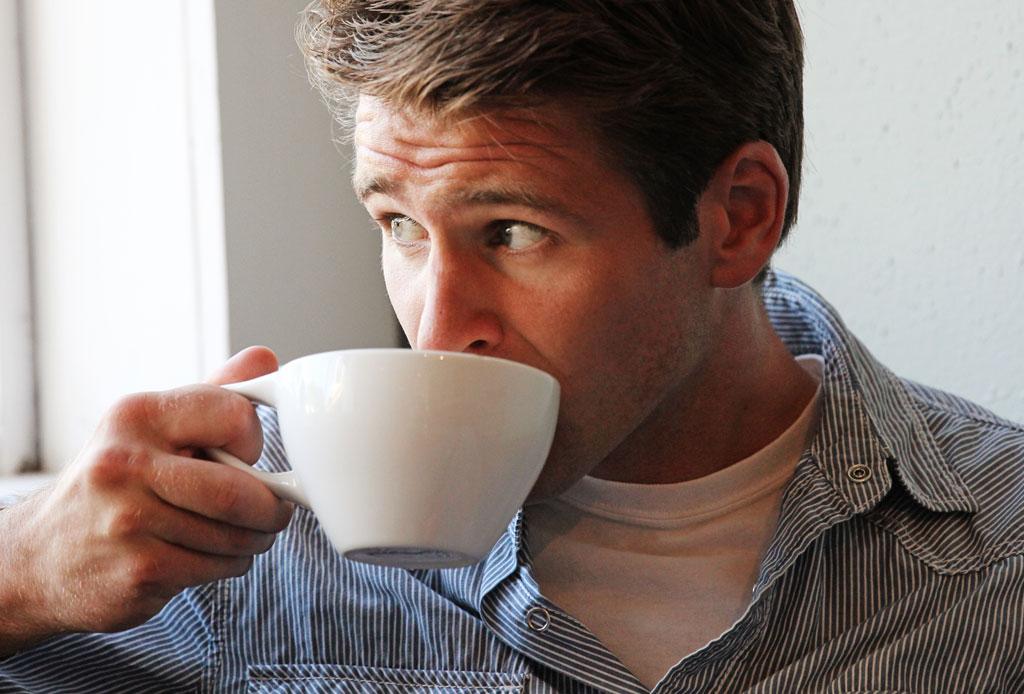 ¿Tomar una bebida caliente ayuda a que se te quite el calor?