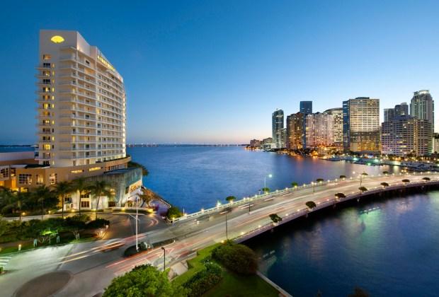 ¿Tienes un viaje planeado a Miami? Estos son los hoteles donde DEBES hospedarte - mandarin-1024x694