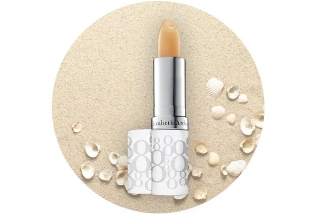 ¡Protege tus labios de los rayos del sol! Usa un lip balm con FPS - elizabeth-arden-lip-balm-1024x694