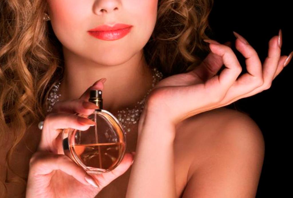 Nunca te imaginaste que cometías estos errores al ponerte perfume