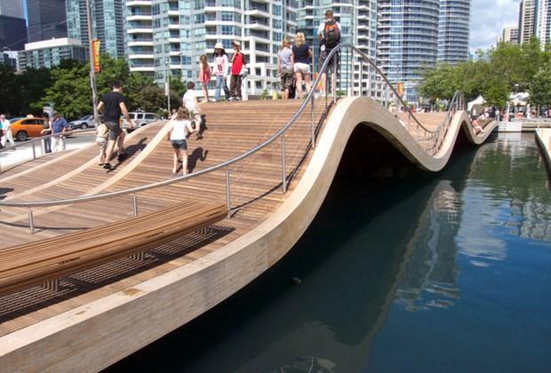 7 experiencias imperdibles que debes vivir al visitar Toronto - waterfront-1024x694