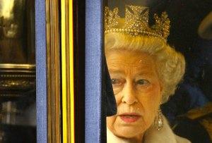 Las teorías de conspiración que han perseguido a la realeza por años