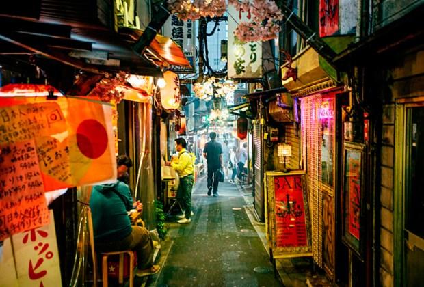 La mejor ciudad para viajar solo según Anthony Bourdain - tokio-1024x694