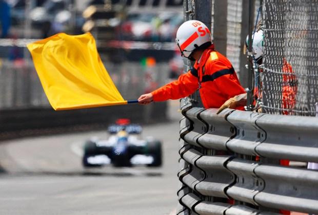 ¿Quieres ser un experto en la F1? Te decimos lo que significan las banderas que usan durante la carrera - amarilla-1024x694