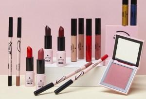 ASOS lanzó su primera linea de maquillaje