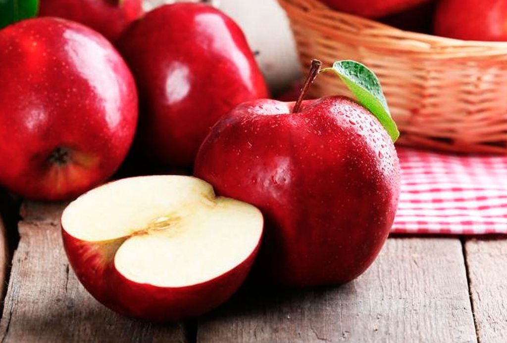 Tu perro también puede tener opciones vegetarianas, estas recetas las amará - manzanas-1024x694