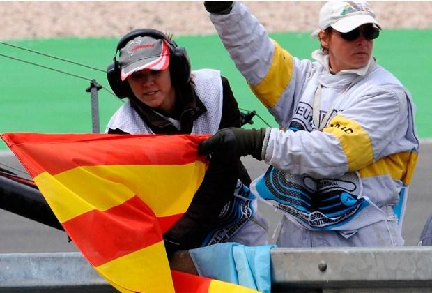 ¿Quieres ser un experto en la F1? Te decimos lo que significan las banderas que usan durante la carrera - rayas-1024x694