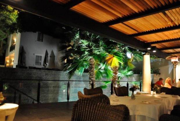 Restaurantes IMPERDIBLES en San Miguel de Allende para disfrutar de una noche de drinks - moxi-1024x694