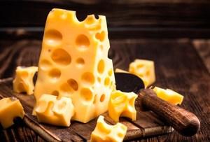 Estos son los quesos que puedes comer aunque seas intolerante a la lactosa