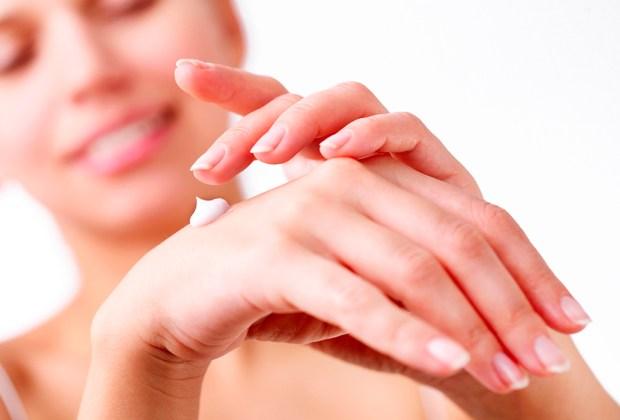 Diferentes maneras de usar el aceite de coco en tu rutina de belleza - crema-1024x694