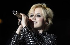 dolores-the-cranberries-2