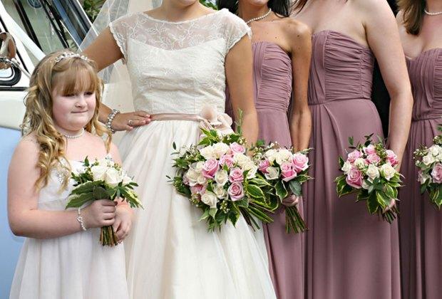 ¡Atención brides-to-be! Este es el color que las damas de honor usarán este año - nostalgia-rose-damas-de-honor-4