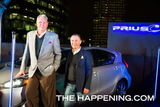 Toyota le da la bienvenida a dos innovadores modelos: PriusC y C-HR - tom-sullivan-y-guillermo-diaz_01