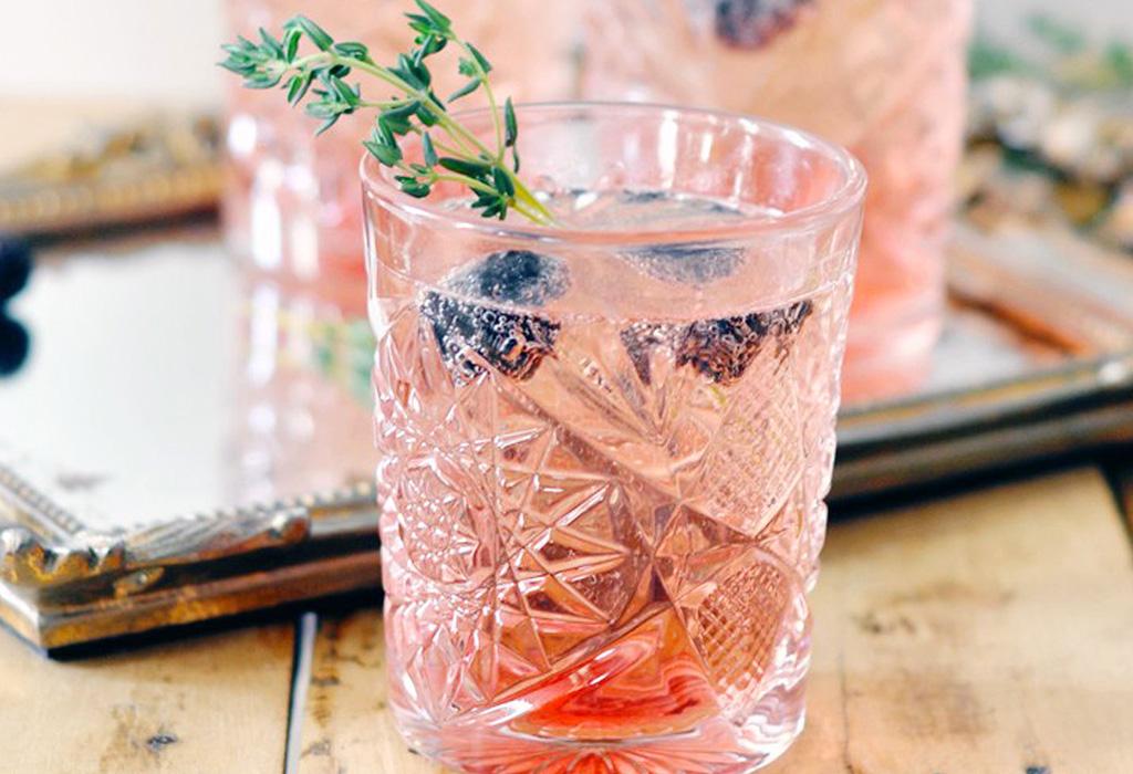Hierbas que le darán un sabor único a tus drinks