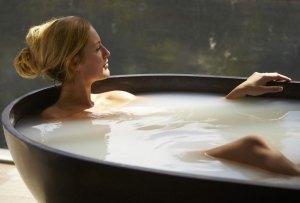 4 productos para usar en la tina que te relajarán al máximo