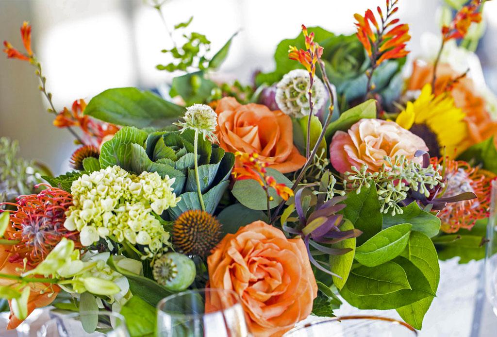 DIY: inspírate para crear arreglos florales diferentes y originales - arreglos_florales_diferentes_1