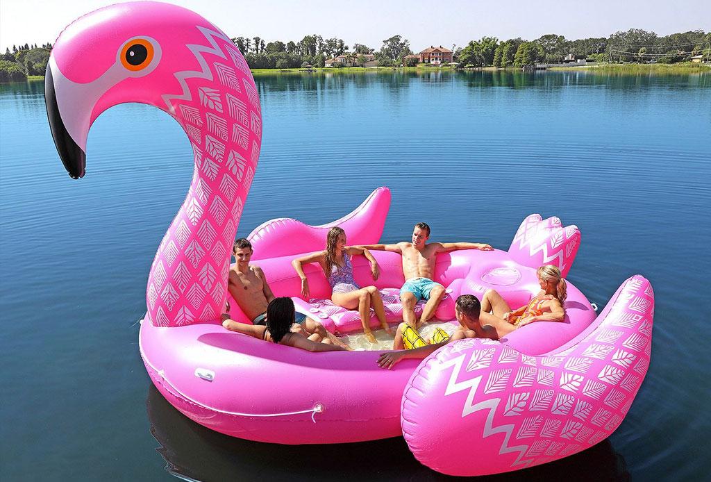 Estamos obsesionados con estos inflables para alberca ¡GIGANTES! - inflable-gigante-flamingo-unicornio-4