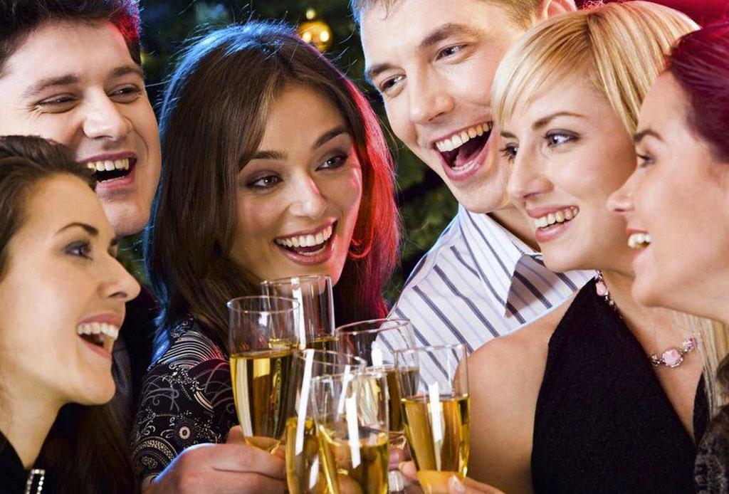 Ya no hay pretextos: hay una pulsera inteligente que te avisa cuando bebiste de más - proof_alcohol_1