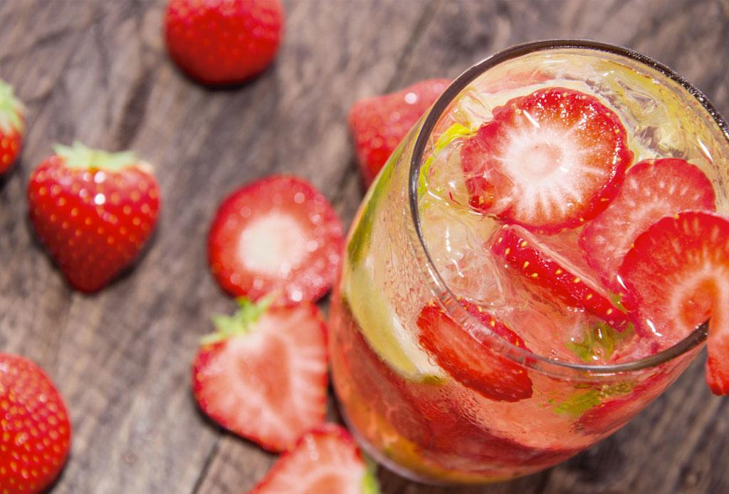 ¡Haz gin & tonic de sabores! Aquí te compartimos tres recetas facilísimas - gin_tonic