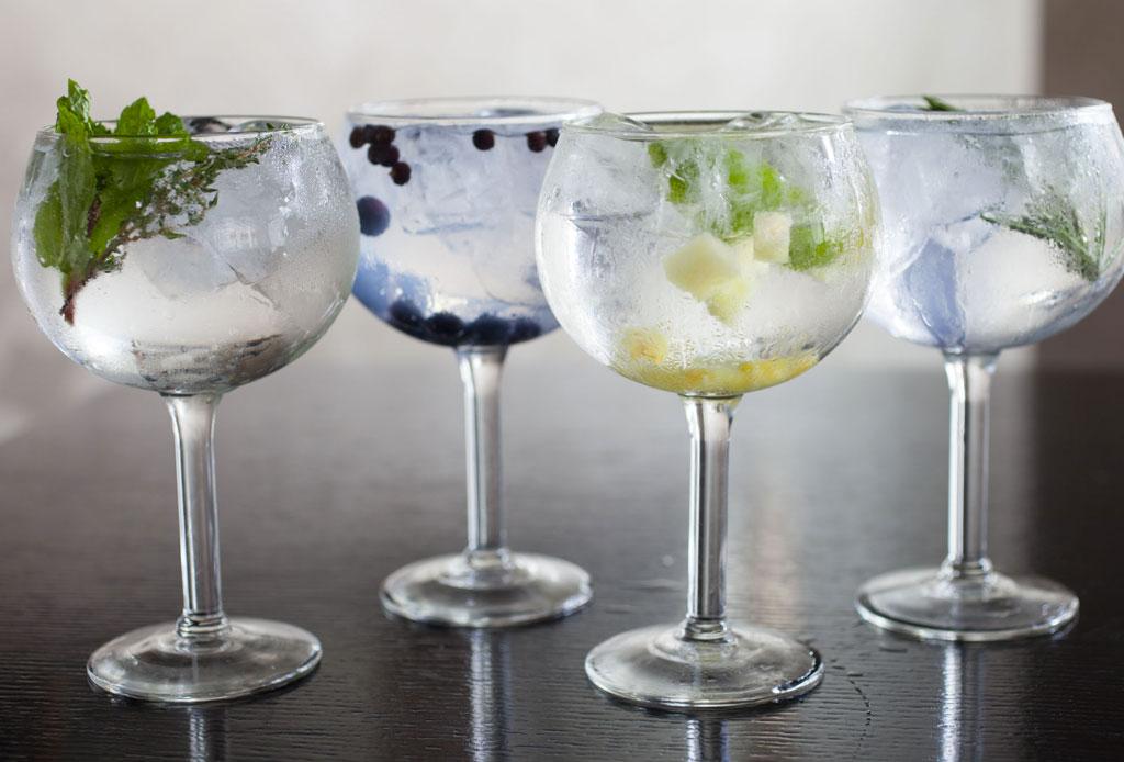 Tenemos la receta para un gin con té que es realmente delicioso - gin_tonic_1-1024x694