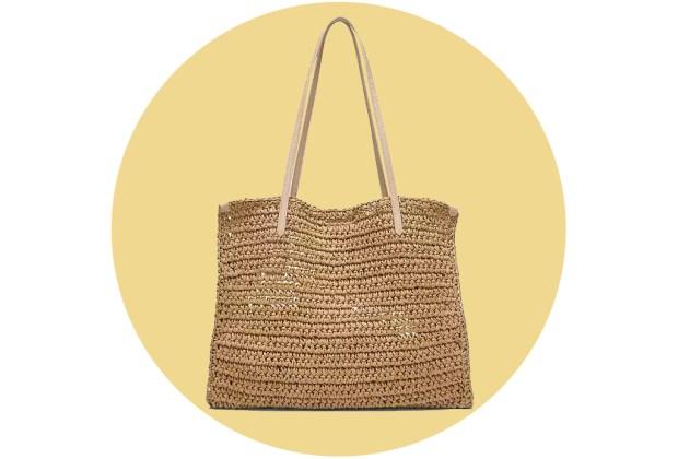 Originales bolsas de palma y bambú para complementar tu outfit veraniego - bananarepublic