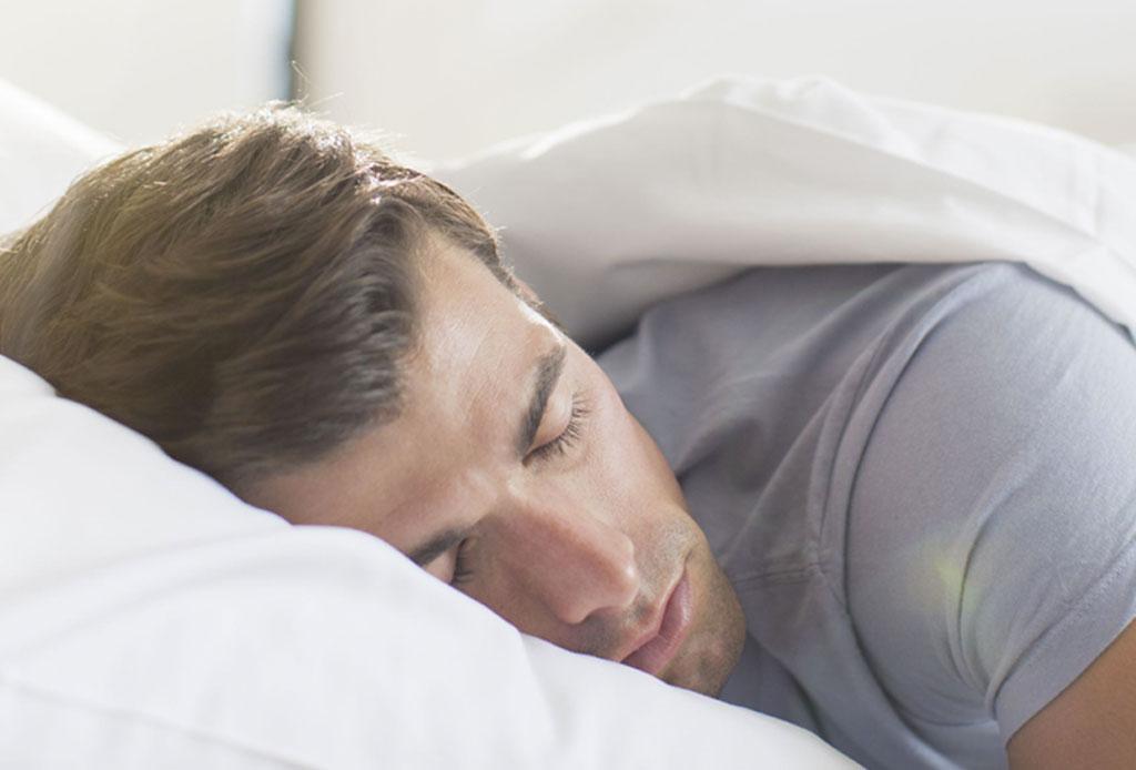 ¡Dormir de lado o boca abajo puede causar arrugas en tu rostro! - dormir-causa-arrugas-5
