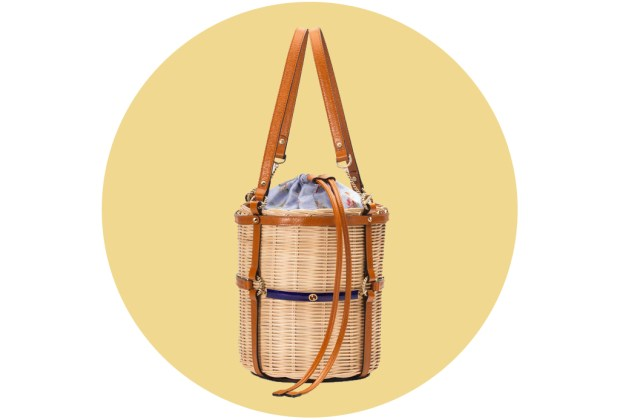 Originales bolsas de palma y bambú para complementar tu outfit veraniego - gucci4