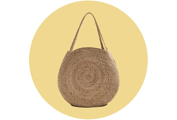 Originales bolsas de palma y bambú para complementar tu outfit veraniego - mango1