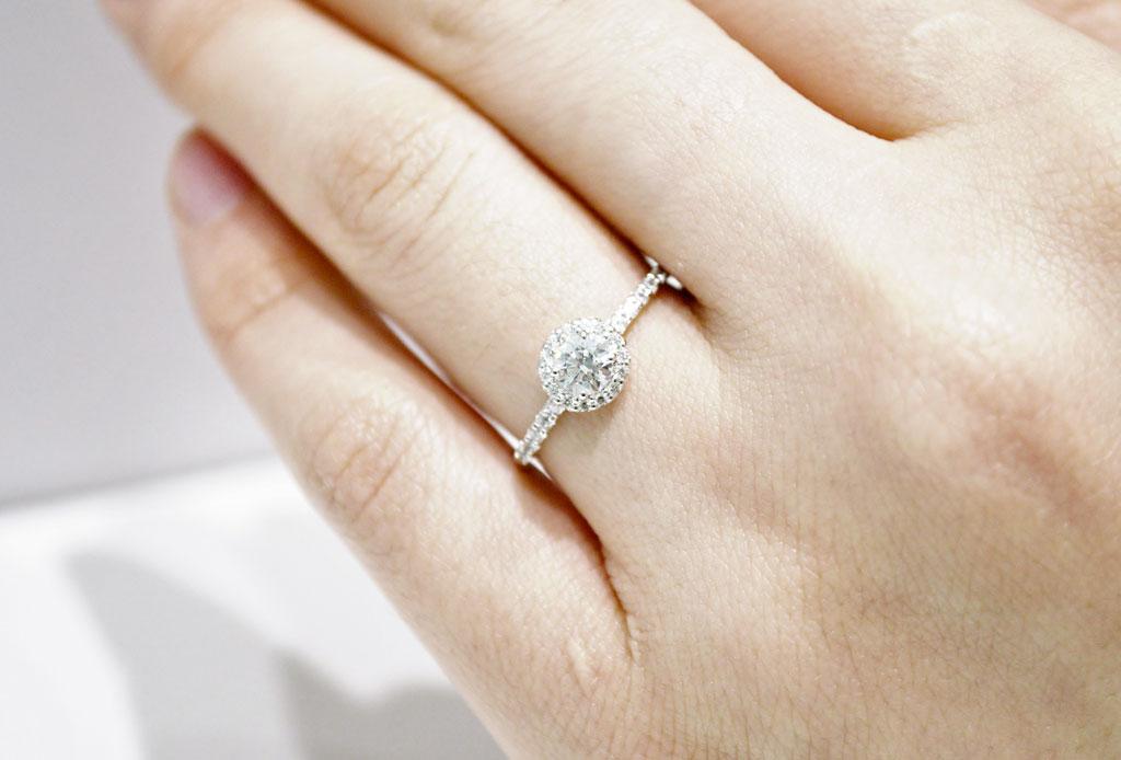 Tips que tu pareja agradecerá cuando elija tu anillo de compromiso - anillo-compromiso-pistas-2