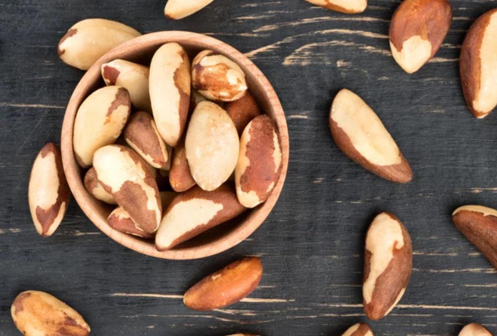 Estos alimentos son clave para ayudarte a curar la cruda - nuecesbrasilencc83as-1024x694