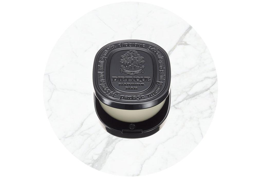 Perfumes sólidos que deberías tener en tu bolso siempre - perfume-solido-3