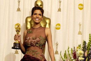 ¡Halle Berry aparece en todas estas canciones!