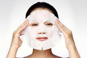 Tienes que probar estas mascarillas con ácido hialurónico que repondrán tu piel al instante