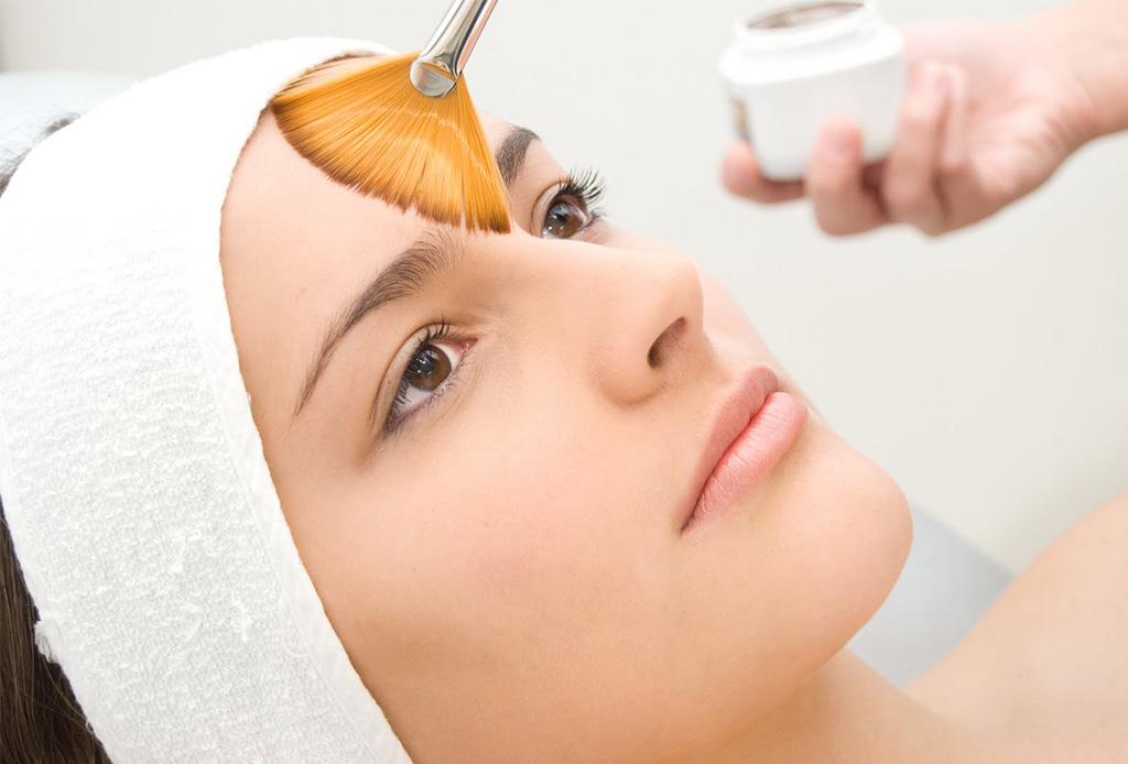 Esto es lo que le pasa a tu piel cuando te haces exfoliaciones químicas - exfoliacion2