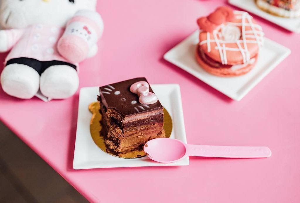 Todas las amantes de Hello Kitty van a querer visitar esta cafetería en California