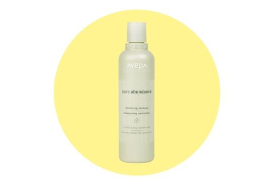 ¿Buscas más volumen para tu pelo? Inténtalo con estos shampoos - shampoos-volumen-pelo-4-300x203