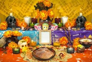 ¿Sabes cómo hacer un altar para el Día de Muertos?