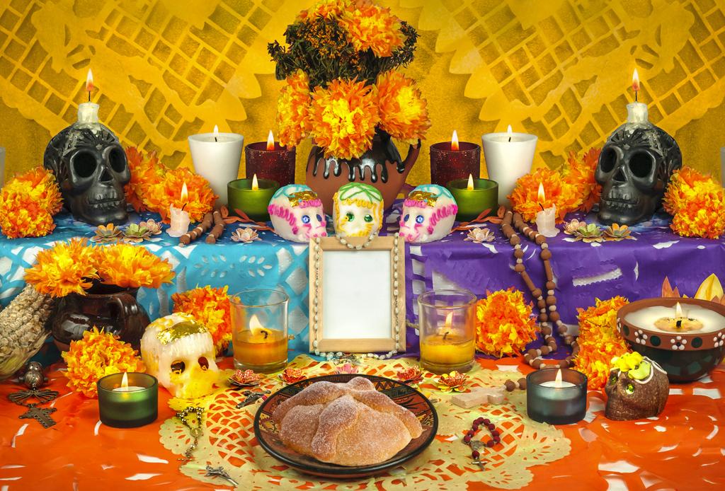 Happenings: TODO lo que puedes hacer este fin de semana (8 – 10 noviembre) - altar-dia-de-muertos-1024x694