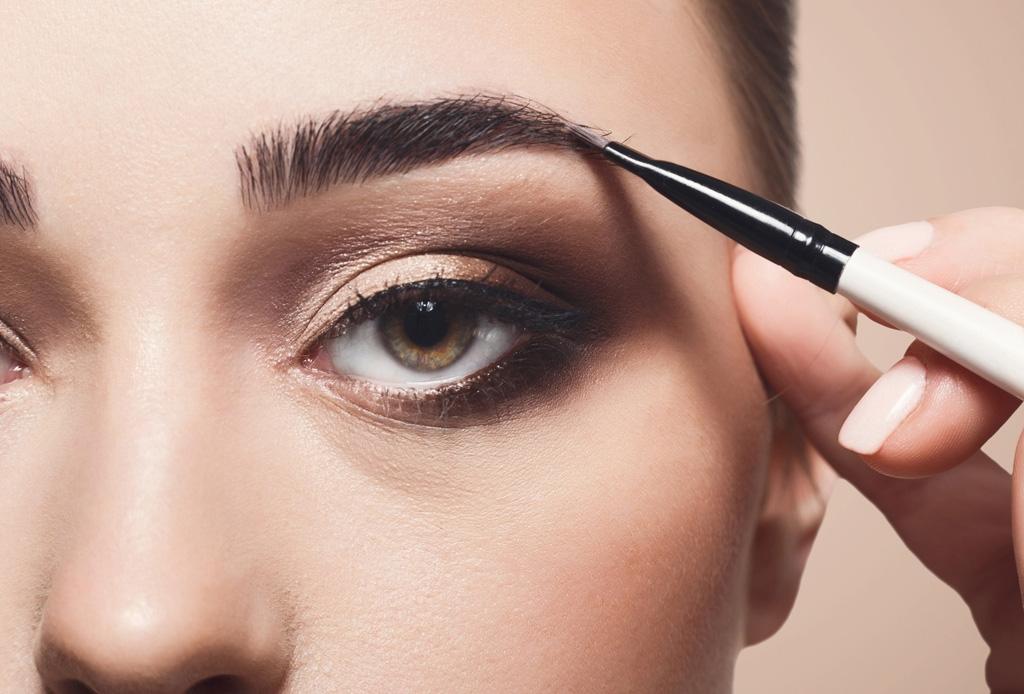 Ya existe un kit con TODO lo que necesitas para unas cejas perfectas