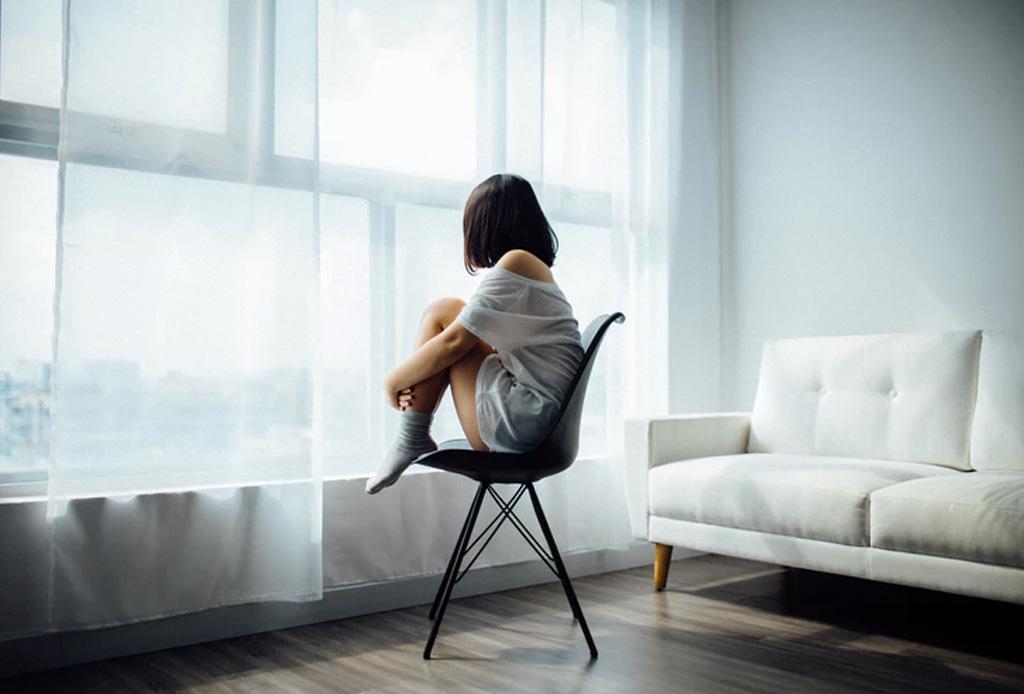 Hablar contigo mismo tiene grandes beneficios para tu salud mental