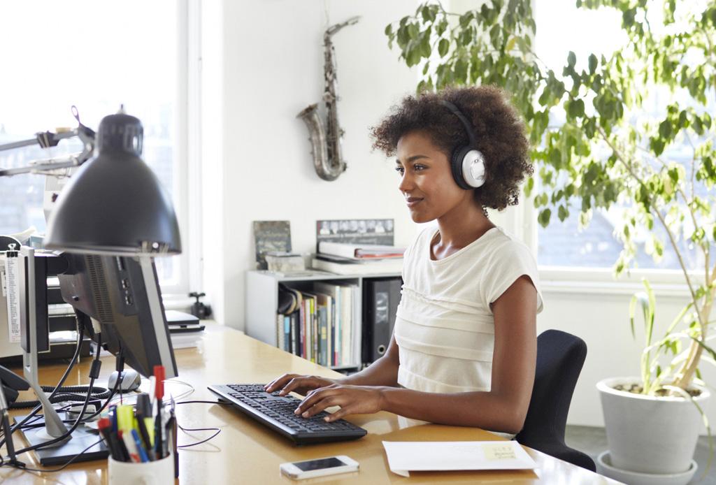 ¿Estresado en la oficina? Escucha esta happy playlist para ponerte de buenas