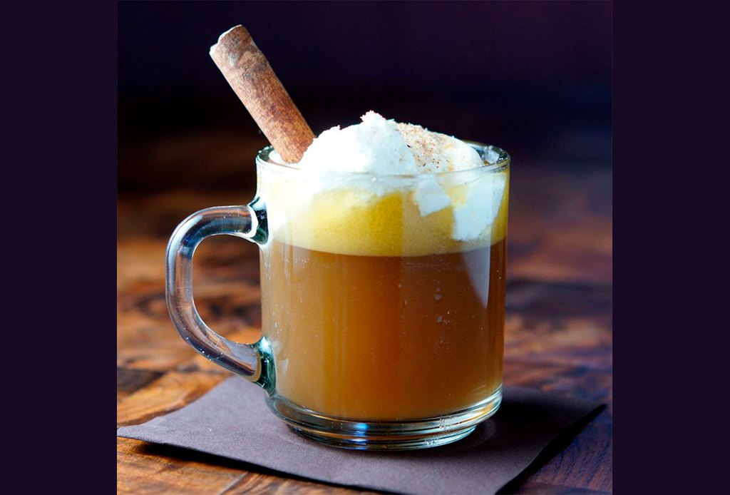 Prueba estos cocteles tradicionales con un toque diferente para Thanksgiving - drinks-invernales-1