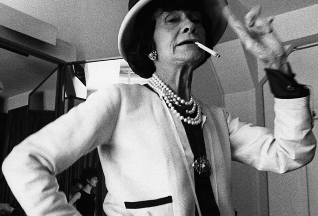 5 razones por las que Chanel Nº5 nunca pasará de moda - chanel-no5-4