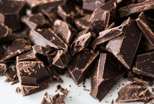 4 alimentos que nunca te imaginaste podías maridar con tequila - chocolate-amargo-300x203