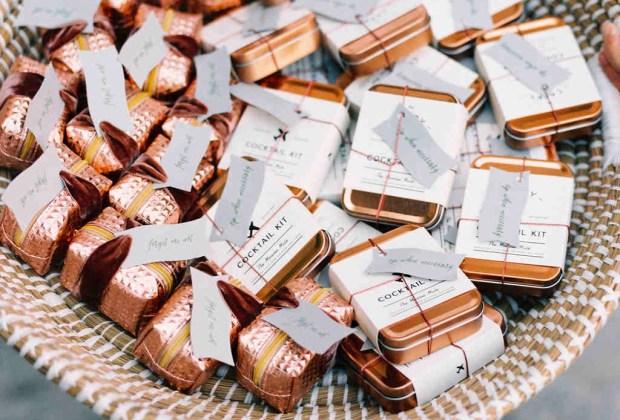 ¡Adiós a los típicos recuerdos de las bodas! Sorprende a tus invitados con estos originales detalles - kit-coctel-1024x694